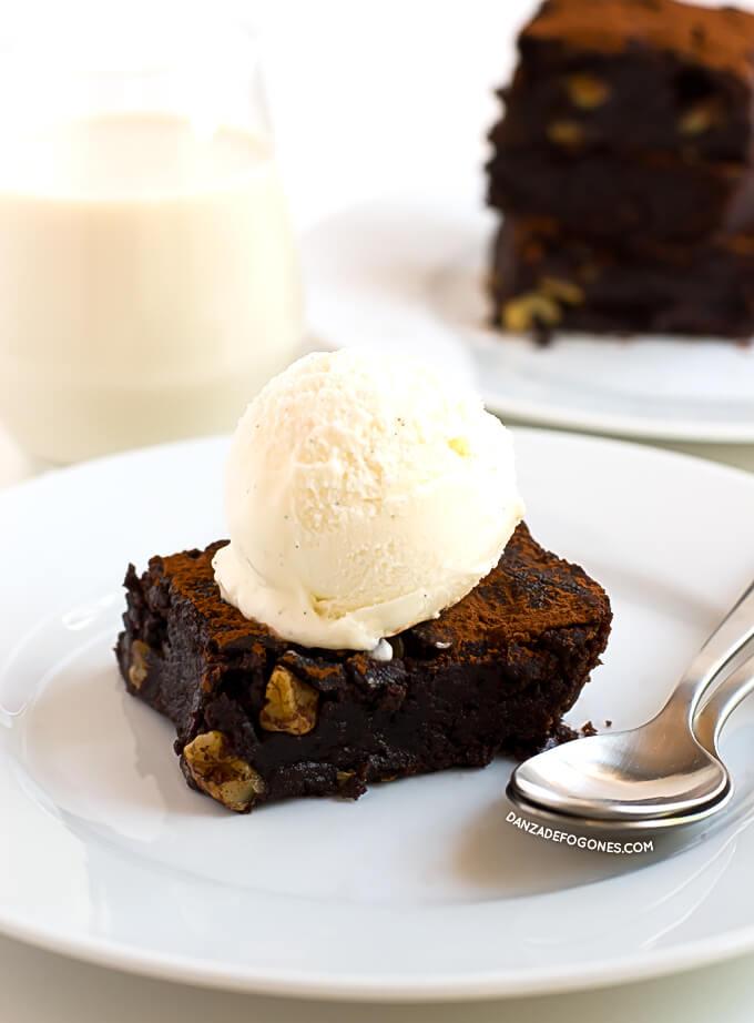 Chocolate brownie | danceofstoves.com