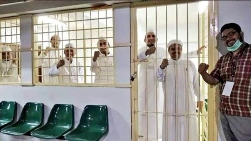 Unggah Foto Rizieq di Penjara, Guntur Romli: Tampak Bahagia, Tak Terlihat Dizalimi, Kita Doakan Betah Tinggal Lama