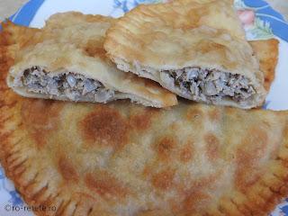 Suberek cu carne reteta de casa dobrogeana retete suberec turcesc prajit gustare stradala mancare fast food placinta branzoaica,