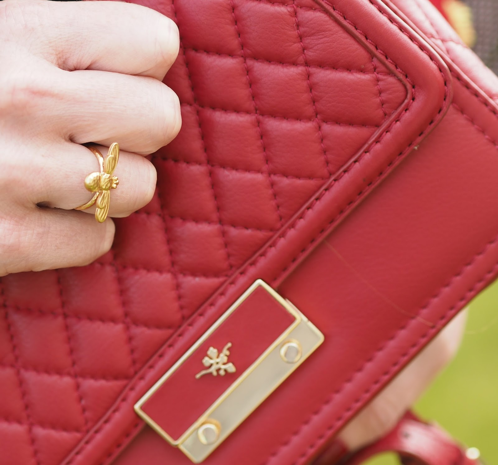 Fiona cross body quilted bag, Ilex London. Gold honey bee ring