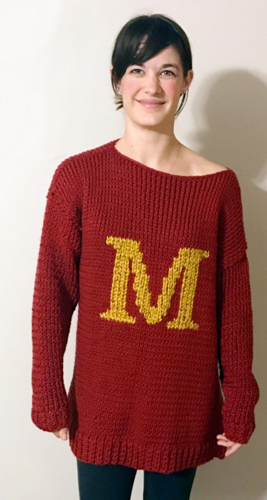 Traxel Time: Oversized Knit Weasley Sweater (free pattern)