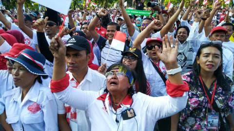 """Huuu..."", Riuh Kecewa Relawan saat Jokowi Batal Menyapa"