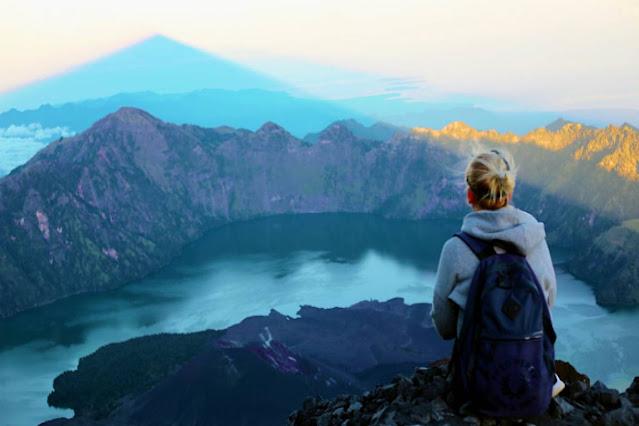 Jangan Mendaki Dulu! Rinjani Masih Tutup Karena Vulkanik Belum Normal dan Stabil