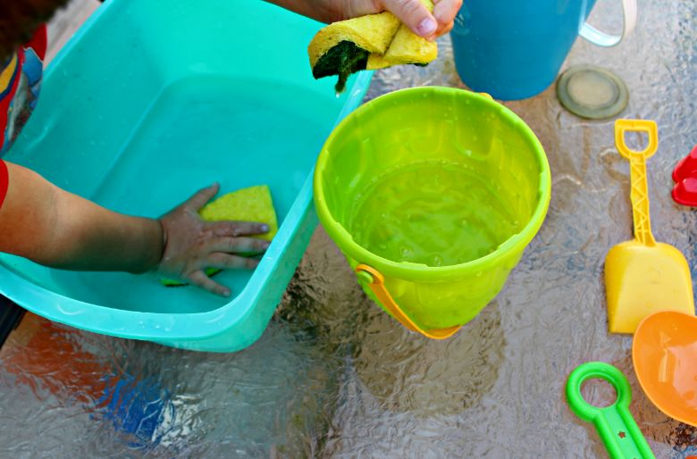 water transfer summer activities for preschoolers