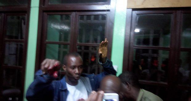 Jealous boyfriend, 42, stabs UG girlfriend on campus