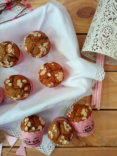 Receta de muffins de plátano y salvado de avena. Desayuno, merienda, postre, saludables, healthy recipes, breakfast time, receta de aprovechamiento, Canarias, horno Cuca