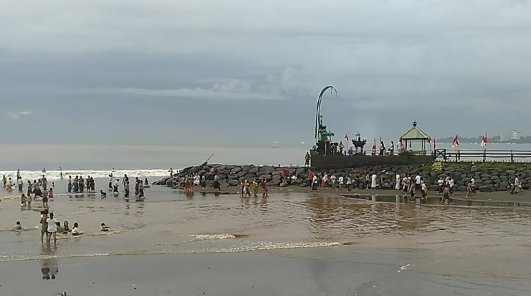 Pesona Keindahan Objek Wisata Pantai Tangtu Kesiman Denpasar