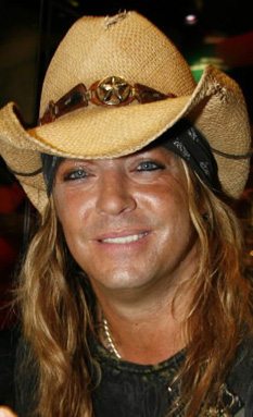 dcd81246fda Famous Toupee Wearers  Bret Michaels - What s under the hat and bandana