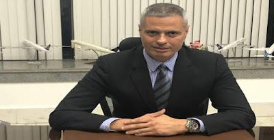 الطيار أحمد عادل رئيس مصر للطيران