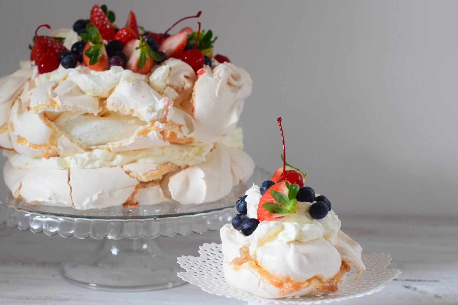 tort bezowy prosty przepis