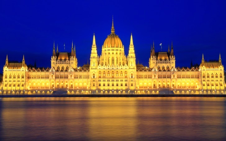 11 – Parliament Building, Budapest, Hungary - 11 Architectural Places You Should See Even Once in Your Life!
