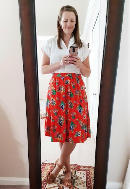 Catholic mom fashion, bright floral skirt, Old Navy summer floral skirt, audrey hepburn roman holiday look, eyelet blouse