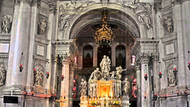 Informações sobre a Basílica de Santa Maria della Salute em Veneza