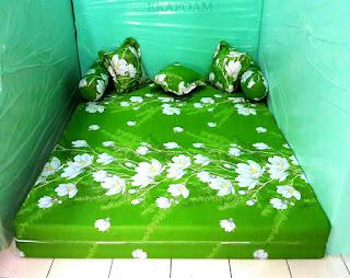 Sofa bed inoac motif IJO KAPAS saat di fungsikan sebagai kasur inoac normal