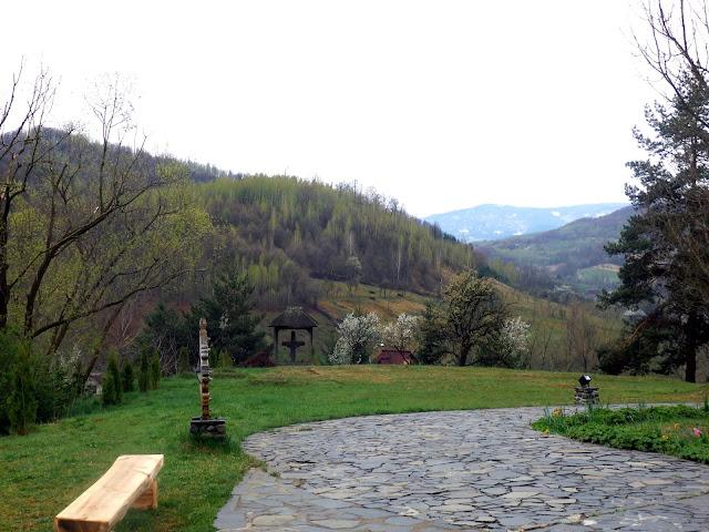 Otoczenie monastyru Barsana (Rumunia).