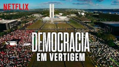 Cartaz do filme Democracia em Vertigem