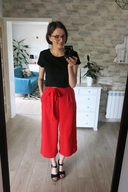 Red pants | Czerwone spodnie