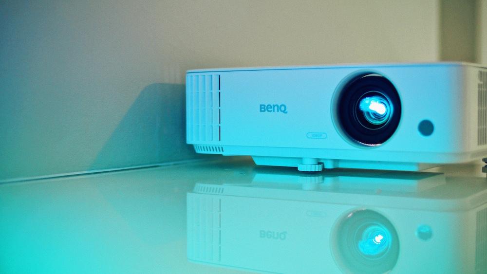 Der BenQ Home Entertainment Projektor TH685 | Ein Gaming Beamer im Outdoor-Einsatz
