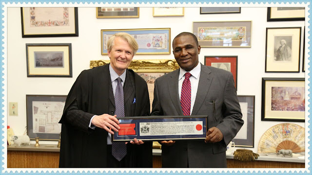 1st Nigerian receives The City Of London Award