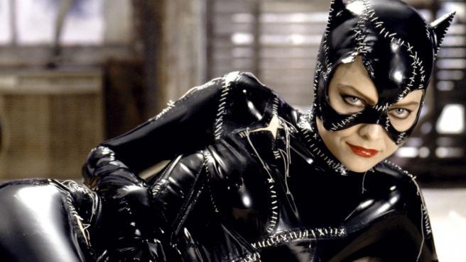 Se desvela el tras las cámaras de la escena del látigo de Michelle Pfeiffer como Catwoman en Batman Returns.