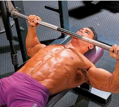 تمارين لتضخيم عضلات الصدر