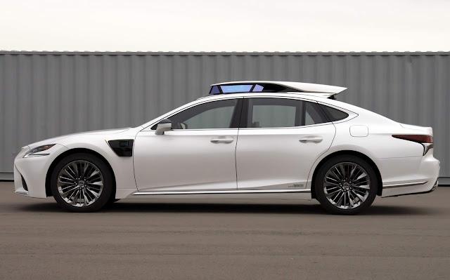 Toyota oferecerá test-passeio em carros autônomos nível 4 em 2020 no Japão