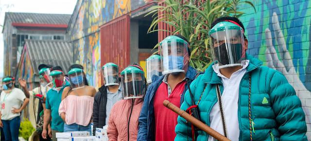 El PNUD junto con las autoridades colombianas entregaron equipos de bioseguridad a comunidades indígenas para que se protejan del COVID-19..UNDP Colombia/Jurany Carabani