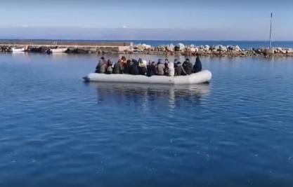 Λέσβος: Μπλόκο πολιτών στη Μόρια - Δεν επιτρέπουν τη μεταφορά νέων μεταναστών