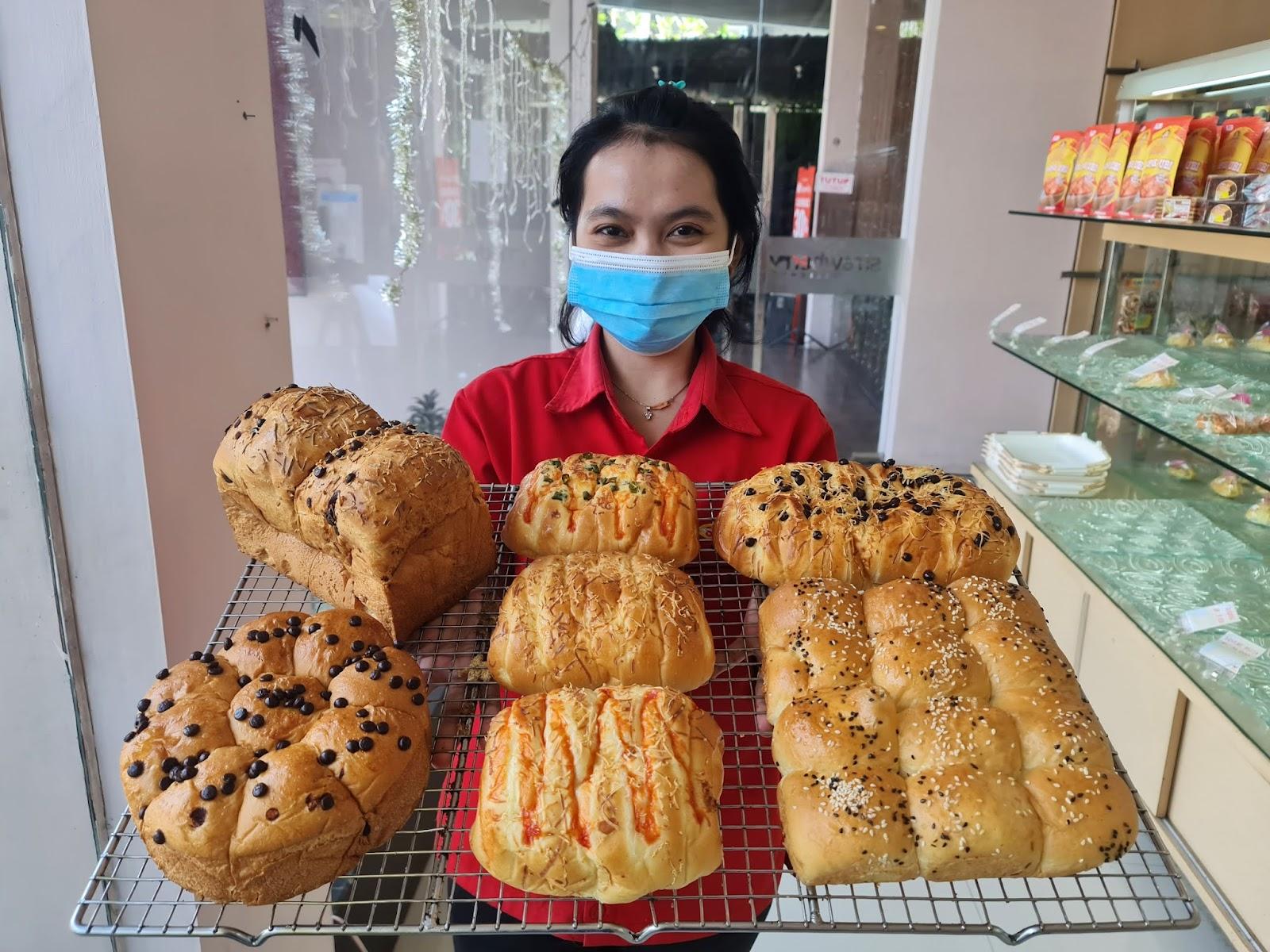 Roti Cirebon, Toko Roti Cirebon, Cake Shop Cirebon, Bakery Cirebon