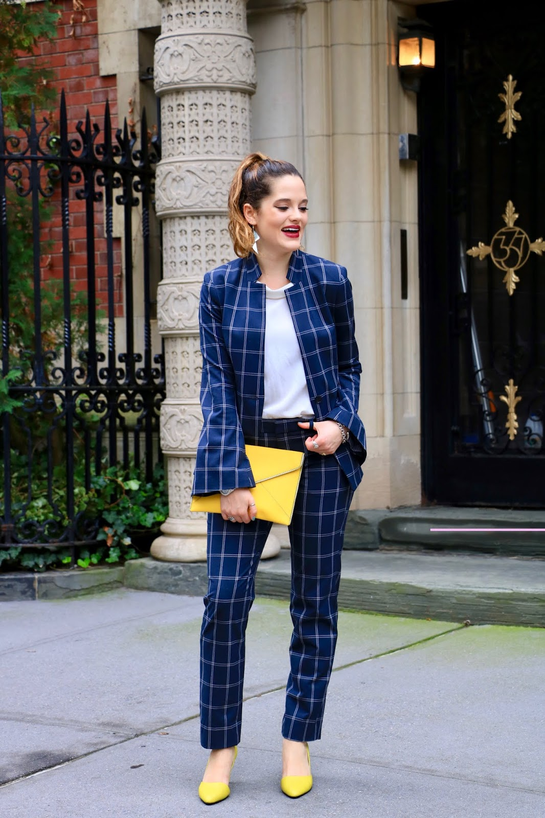 Nyc fashion blogger Kathleen Harper showing how to wear plaid