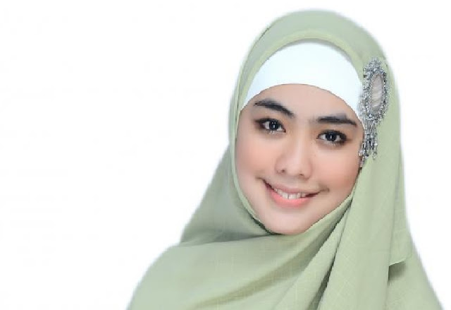 Koleksi Model Hijab Modern Syar'i Menutup Dada