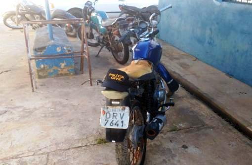 Ituaçu: Moto é recuperada e drogas apreendidas em operação da polícia Civil