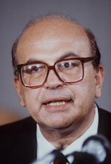 Bettino Craxi was the first socialist prime  minister of Italy in the modern era