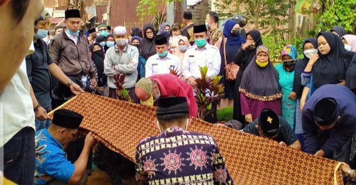 Sekda Asraf Hadiri Proses Pemakaman Wartawan Senior Kerinci-Sungai Penuh