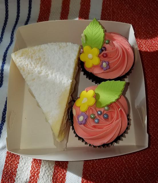 Muddings Bakery, Glen Waverley, cheesecake, cupcakes