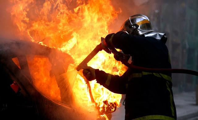 Στις φλόγες τυλίχθηκε Ι.Χ. στην Θέρμη