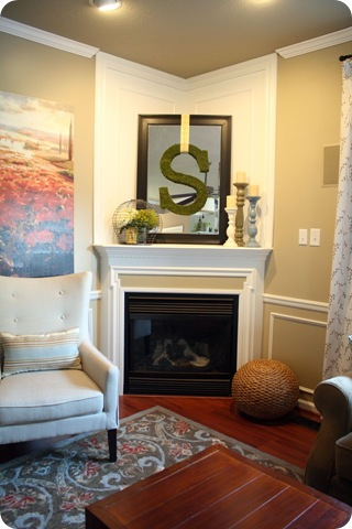 Corner fireplace with open mantel