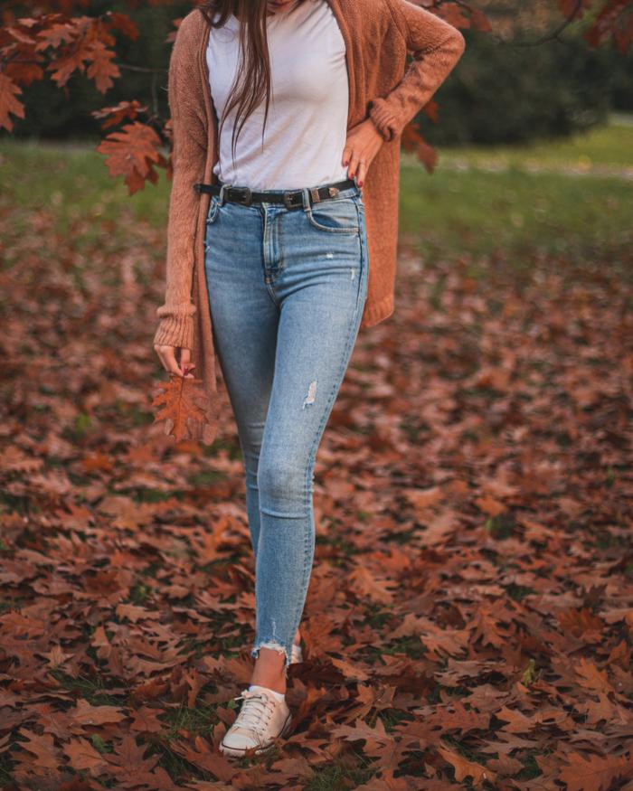 do czego założyć jeansy
