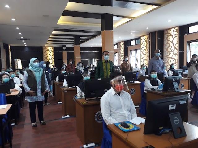 Wali Kota Pantau SKB CPNS di Bandung