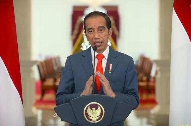 Jokowi Teken Perpres, Warga Tolak Vaksin COVID Terancam Tak Dapat Bansos