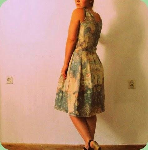 Patrón gratis vestido Sonja en Burda