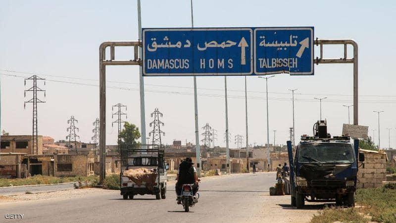 سوريا.. انفجارات في مستودع أسلحة وسط البلاد
