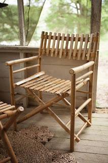 kursi taman sederhana dari bambu