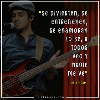 Rafael Alejandro Navejas bajista de enjambre