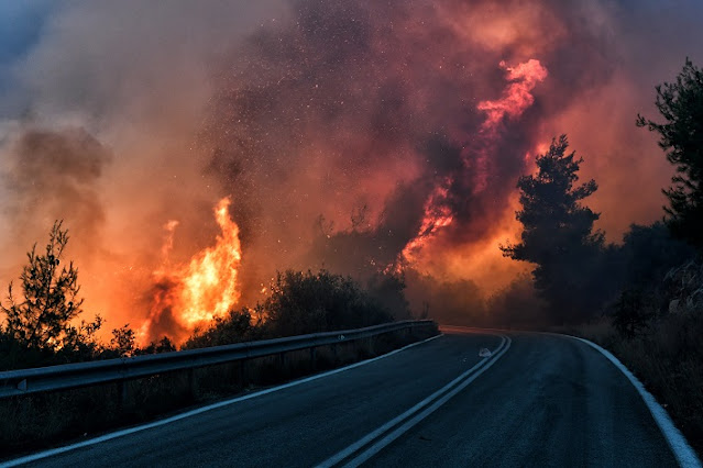 Διακοπή κυκλοφορίας σε τμήμα του αυτοκινητόδρομου λόγω πυρκαγιάς στην Αρκαδία