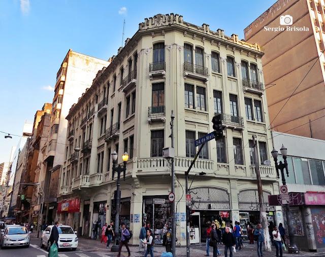 Vista ampla de um Prédio antigo na Rua 24 de Maio 275 - República - São Paulo