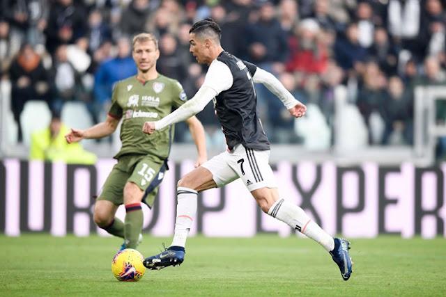 """Ronaldo lập hat-trick đầu tiên tại Serie A: Điểm 10 hoàn hảo, đón """"mưa"""" kỷ lục"""