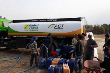 Alms Water to Cibarusah Residents, ACT Sends 13 Tank Trucks