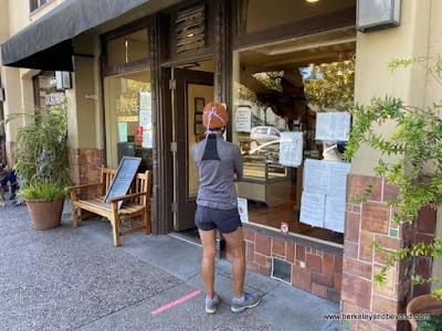 exterior line at Fournee Bakery in Berkeley, California