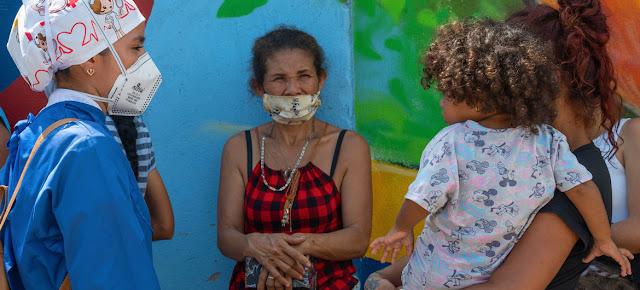 Venezolanos que regresan a su país reciben orientación para protegerse del COVID.PAHO/Karen González